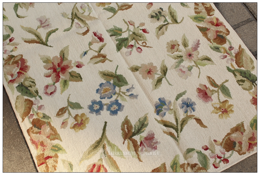Elegant Needlepoint Rose Floral Rug Cream